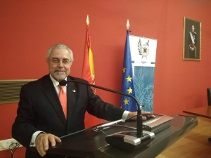 """Manuel Sánchez Gómez-Merelo, Director de GET y de Programas de PIC en el IUGM iniciando el tema de """"Las ciberamenazas, el último desafío sin resolver""""."""